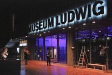 Das Museum Ludwig bei Nacht: Immer ein Publikumsmagnet in der Langen Nacht der Kölner Museen. (Foto: Helmut Löwe)