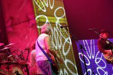Crazy Horse: bei einer Band mit Ursprüngen in den 70ern fehlen auch psychedelische Momente nicht. (Foto: Helmut Löwe)