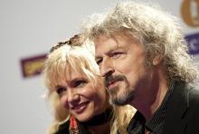 Wolfgang Niedecken und seine Frau Tina bei der Verleihung des Musikpreises Echo am 22. März 2012 in Berlin. (Foto: dapd)