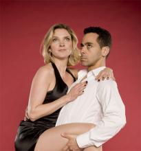 Liebespaar Adam und Ela: Sie streiten und sie tanzen
