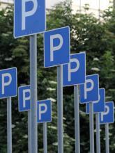 Autofahrer sollten Parkhäuser und Tiefgaragen anfahren. (Foto: dapd)