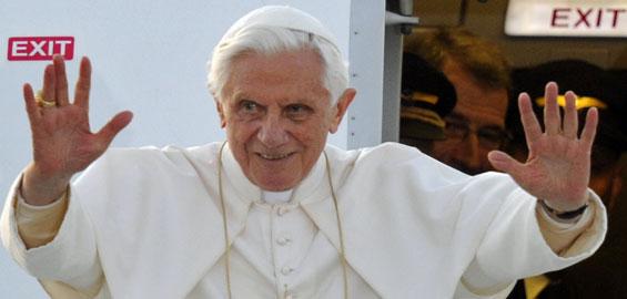 Papst Benedikt XVI kündigt seinen Rücktritt an (Foto: dapd)