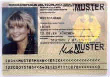 Für Ausweis-Angelegenheiten wird über Weihnachten und Neujahr ein Notdienst eingerichtet. (Foto: Bundesdruckerei/ddp)