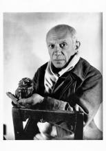 Pablo Picasso und eine Eule, im Jahr 1946 von Michel Sima   fotografiert. @Dr. Kuno Fischer Galerie, Luzern