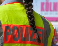 Mehrere hundert Polizisten waren gestern in Köln im Einsatz. (Foto: dapd)