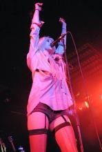 Im Outfit einer Stripperin würden wohl die wenigsten Eltern der Fans von The Pretty Reckless ihre Töchter aus dem Haus gehen lassen. (Foto: Helmut Löwe)