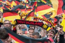 "Deutsche Fußballfans: feiern ""Jogis Jungs"". (Archivfoto: Joachim Rieger)"