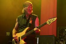 Roger Glover: verhilft einem zu jenem seltenen Moment eines Basssolos. (Foto: Helmut Löwe)