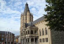 Weihnachtskonzerte aus dem Rathausturm gibt's am Dienstag und Samstag zu erleben. (Foto: Bilderbuch Köln)