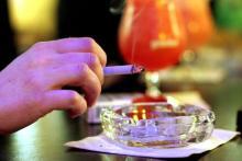 Rauchen wird jetzt noch verbotener. (Foto: dapd)