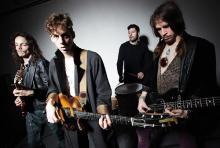 Razorlight: haben Ende Januar einen erneuten Personalwechsel vorgenommen und Björn Agren und Carl Dalemo durch Gus Robertson an der Gitarre und Freddie Stitz am Bass  ersetzt.