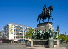 Das Reiterdenkmal am Heumarkt. (Foto: Bilderbuch Köln)
