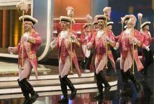"""Die Kölner Rosa Funken bei ihrem Auftritt in der Samstagabendshow """"Wetten dass?"""" im Januar 2009. (Foto: ddp)"""