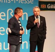 Moderator Linus (li.) und Oberbürgermeister Jürgen Roters bei der Eröffnung der RheinSchauKöln (Foto: Christian Rentrop