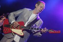 Phil Manzanera: der Gitarrist ist seit der Debütscheibe mit von der Roxy-Music-Partie. (Foto: Helmut Löwe)