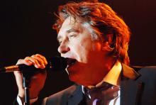 """Bryan Ferry: der """"Jealous Guy"""" kommt arg ins Schwitzen. (Foto: Helmut Löwe)"""