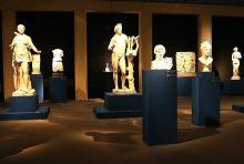 """Götter aus Stein und Gips: Schau """"Rückkehr der Götter"""" im Römisch-Germanischen Museum. (Foto: Jürgen Schön)"""
