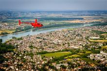 Da geht das Kölsche Herz auf: Die Domstadt von oben Foto: hubschrauberflug.de