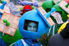 Die fantasievollen Kostüme lassen sich am besten von einer Tribüne bewundern. (Foto: Fabian Schmelcher)