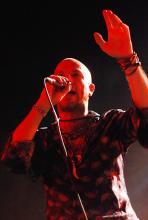 Selig-Sänger Jan Plewka: Die Hamburger gaben nach zehn Jahren Bandpause in der Live Music Hall ihr Comeback. (Foto: Helmut Löwe)