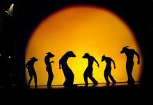 """Die Show """"Shadowland"""" taucht seine Zuschauer in eine phantasievolle Schattenwelt."""