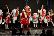 Das Immi-Ensemble singt ins Griechische, Türkische und Englische übersetzte Kölsch-Hits. (Foto: Vincent Schmidt)