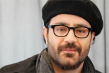 """Der Iraner Shahin Najawi, vor allem als Rapper bekannt, tritt beim diesjährigen """"Sommerblutfestival"""" auf. Foto: Jürgen Schön"""