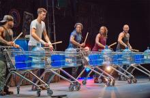 Trommeln im Zeitalter des Konsums: Stomp! Foto: Hardt