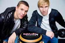 Lukas Podolski und Dominik Kaiser: Nationalspieler und Street-Style-Titelvertreidiger. (Foto: Chris Stock)
