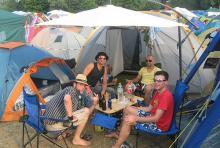 Zelten, grillen und chillen: so hält man drei Tage mit musik gut aus. (Foto: Tilmann Radix)
