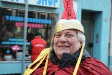 Horst Jacquemot (64) war 15 Jahre Rektor an der Realschule Lasallestraße – und wurde karnevalistisch in die Rente verabschiedet. Foto: Jürgen Schön