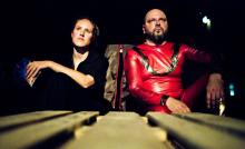 Alboury (Annika Meier) und Horn (Matthias Hecht) im Theater der Keller: Wer gewinnt den Machtkampf? Foto: MeyerOriginals