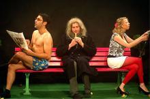 Theater Tiefrot: zeitgenössisches Literaturtheater