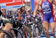 Wechselzone im Triathlonwettbewerb: auch hier kommt es auf jede Sekunde an. (Symbolfoto: ddp)