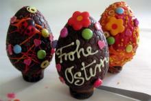 Schokoladen-Eier bemalen für die Kleineren im Rhein Center (Foto: red)