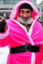 """Trägt der Weihnachtsmann auf der """"Christmas Avenue"""" rosa? (Foto: dapd)"""