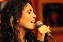 Sharon den Adel: Sängerin von Within Temptation. (Foto: Helmut Löwe)