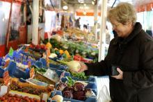 Einige Wochenmärkte werden auf Heiligabend verschoben. (Foto: David Hecker/ddp)