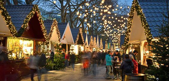 Weihnachtsmarkt auf dem Neumarkt   koeln de