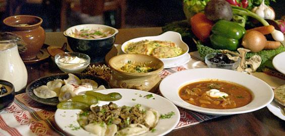Mütterchen Russland Bittet Zu Tisch: Wenn Es Ums Essen Aus Russland Geht,  Denken Die Meisten An Schwer, Viel Fett Und Sehr Deftig.