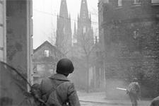 DVD und Buch zeigen das Kriegsende in Köln
