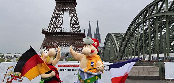 Der Eiffelturm Steht Jetzt In Köln Koelnde